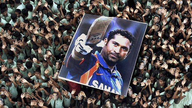Sachin Tendulkar Retires Wallpaper Tribute Caught At Point